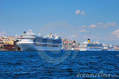 Cruise ships in Istanbul