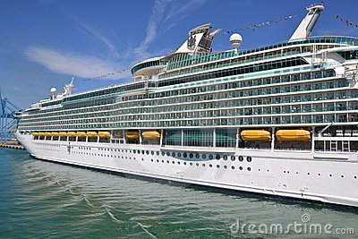 Cruiser ship Navigator of the Seas Editorial Stock Image