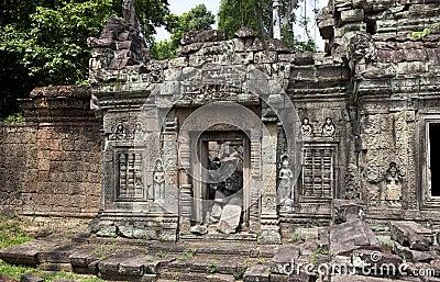 Crumbling temple siem reap cambodia