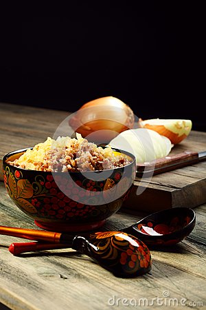 Crumbly buckwheat with onions.