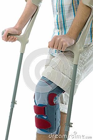 Crutches подросток