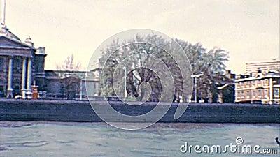 Cruzeiro arquivístico de Thames River vídeos de arquivo