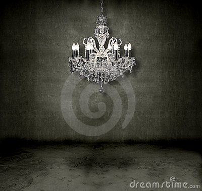 Free Crystal Chandelier In A Room Royalty Free Stock Photo - 6503485