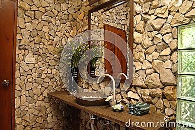 Cuarto De Baño Tailandés Del Estilo Fotos de archivo ...