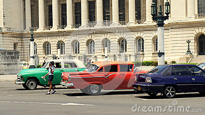 Cuba: Antiques on Wheels Editorial Photo