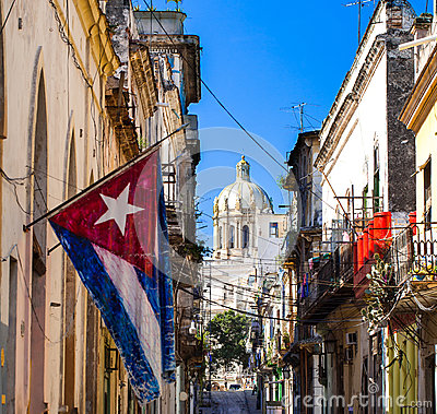 Free Cuba Flag With View Capitol Havana Royalty Free Stock Photo - 37901695