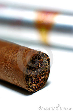 Free Cuban Cigar Stock Photography - 1525502