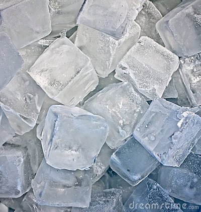 Free Cubes Of Ice Royalty Free Stock Image - 17202276