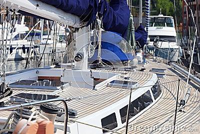 Cubierta de barco de la teca