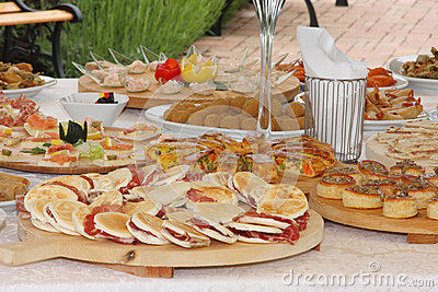 Cucina italiana tipica della cena di nozze fotografia for Cucina atipica roma