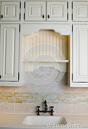 Cucina con le mattonelle gialle fotografia stock   immagine: 12656252
