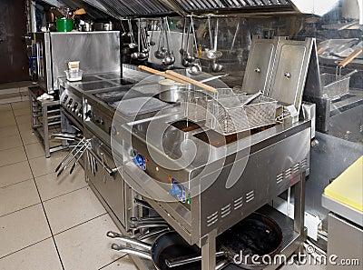 Cucina tipica di un ristorante fotografia stock immagine 39678990 - Lavandino cucina ristorante ...
