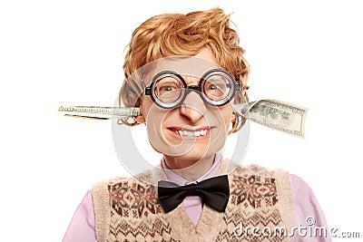 Cuentas de dólar que salen de mis oídos