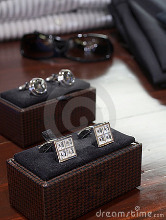Free Cufflinks Display Royalty Free Stock Photo - 5035455