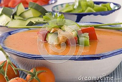 Culinária espanhola. Gazpacho. Sopa fria andaluza.