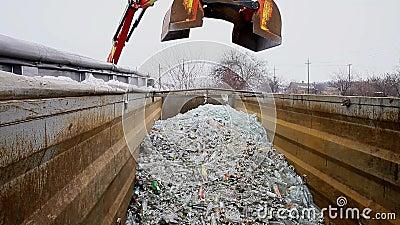 Cullet recycling stock videobeelden