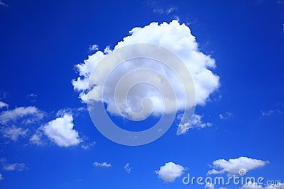 Cumulus cloud in clear blue sky