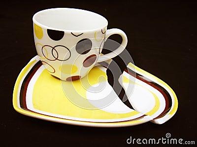 Cup on Broken Saucer
