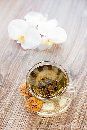 Free Cup With Green Tea Royalty Free Stock Photos - 33661928
