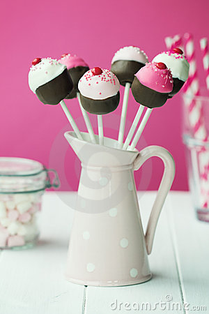 Free Cupcake Cake Pops Royalty Free Stock Images - 21986159