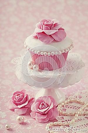 Free Cupcake With Rose Flower Stock Photos - 30851383