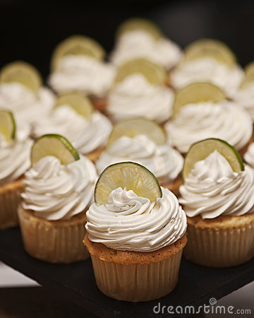 Free Cupcakes Stock Photos - 18039493