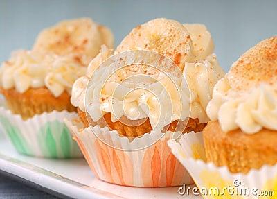 συσσωματώστε το καρότο cupcakes εύγευστο