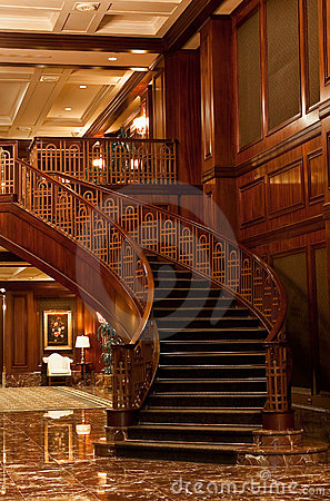 Free Curving Wood Staircase Royalty Free Stock Photos - 15142808