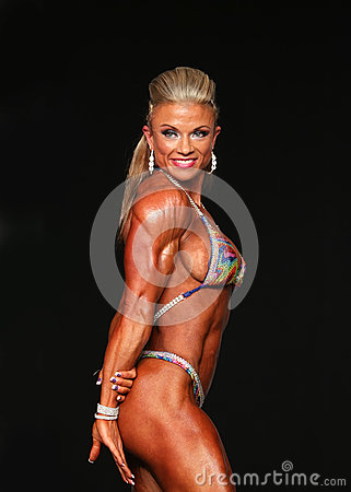 Free Curvy Blonde Bodybuilder Royalty Free Stock Photography - 76593157