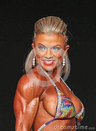 Free Curvy Blonde Bodybuilder Royalty Free Stock Images - 76593169