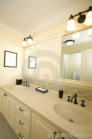 Free Custom Bathroom With Tile Work Stock Photos - 1666793