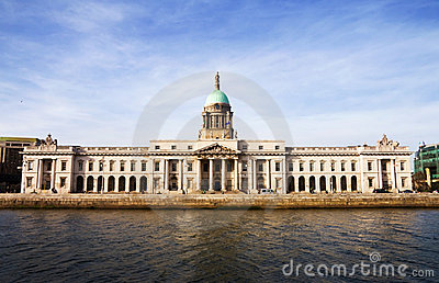 Custom House - historic landmark in Dublin