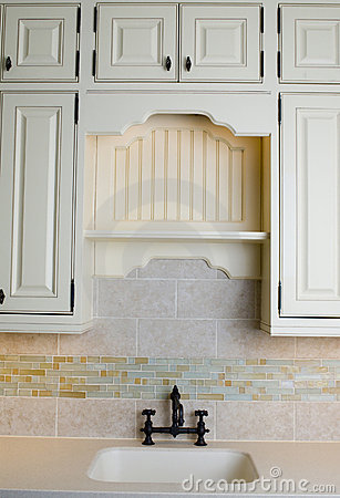 Free Custom Kitchen With Tile Work Stock Photography - 1667702