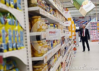 Customer shopping at supermarket Editorial Stock Image