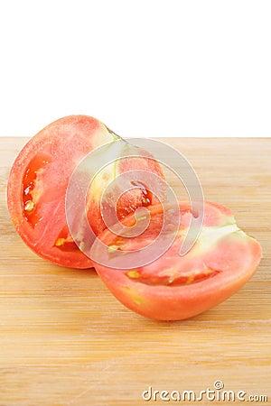 The cut tomato
