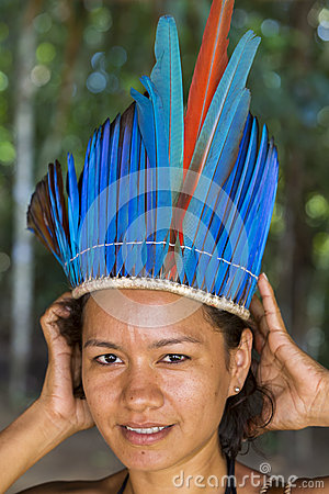 Photography cute brazilian indian woman from tribe in amazon brazil