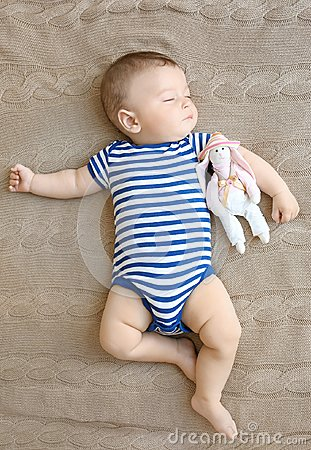 Free Cute Little Baby Sleeping Royalty Free Stock Photos - 108071048