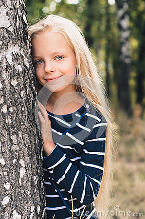 Free Cute Little Girl Portrait Near Tree Birch. Stock Image - 77570881
