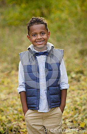 Free Cute Outdoor Portrait Of A Smiling African American Young Boy Stock Images - 60360314
