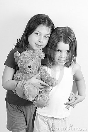 Free Cute Sisters Royalty Free Stock Images - 4927769