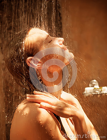 Free Cute Woman Take Shower Stock Photography - 30517242