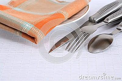 Cutelaria e guardanapo