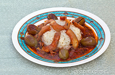 Cuttlefish with rice and olives