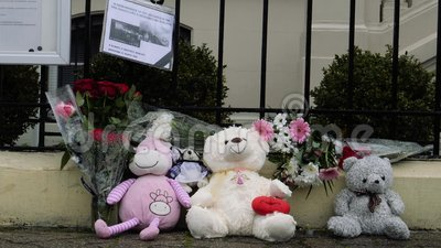 Cyklista opłakuje Kemerovo przed Rosyjską ambasadą zbiory