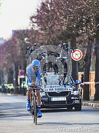 Cyklistskåpbilen summeren den Johan Paris Nice prologen 2013 i Houi Redaktionell Bild