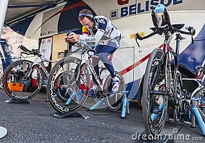 Cyklisty Rozgrzewkowy Up Fotografia Editorial