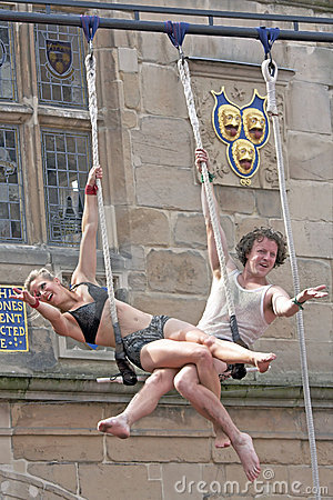 Cyrkowych wykonawców shrewsbury uliczny theatre Fotografia Editorial