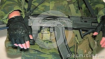człowiek wojska kciuki w górę zdjęcie wideo