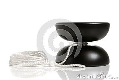 Czarny zabawkarski yo