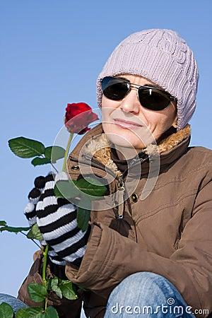 Czerwieni róży kobieta